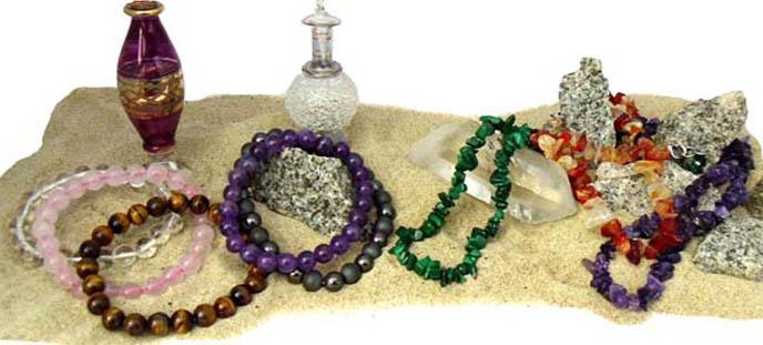 Bijoux, colliers et bracelets en pierres