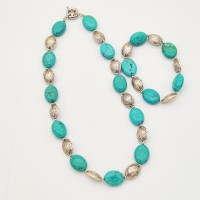 Collier turquoise recomposée
